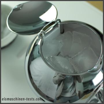Produktbild - Ice Crusher WMF mit Eiswürfeln