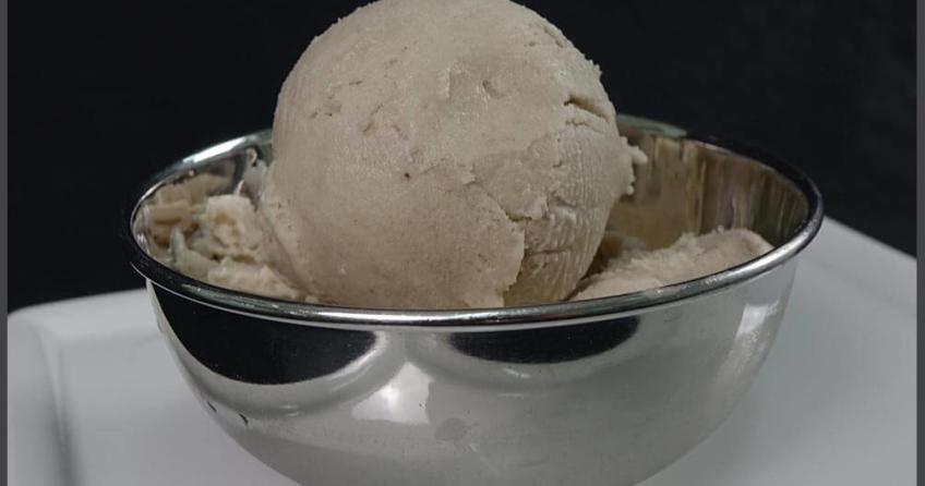 Bananen-Kokos-Joghurt selber machen - eismaschinen-tests.com - fertige Eis